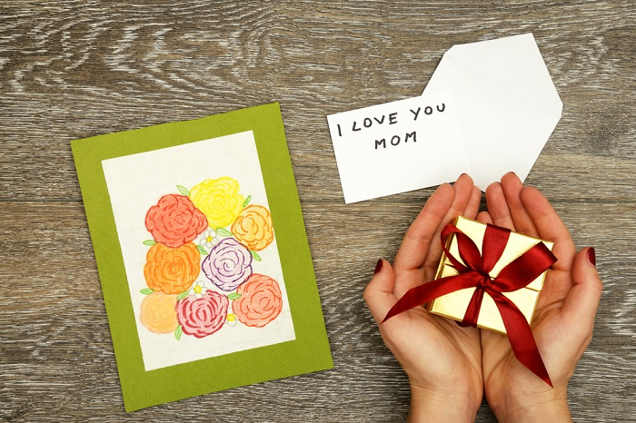 military gifts for mom